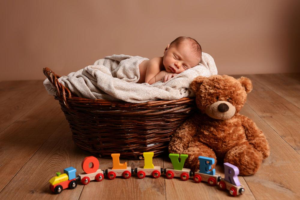 Newborn baby photographer Nottingham