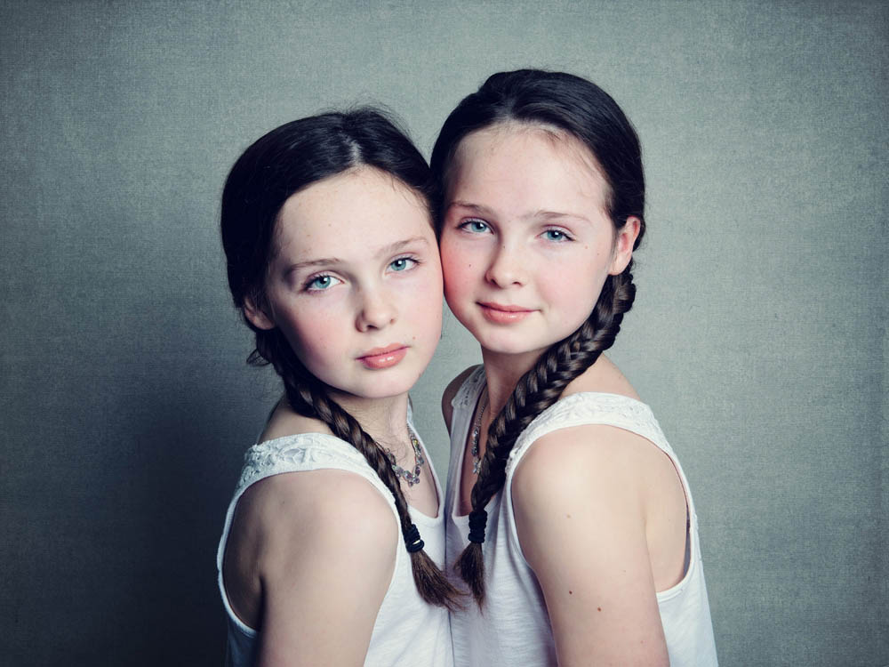 Twin sisters photoshoot Nottingham photographer
