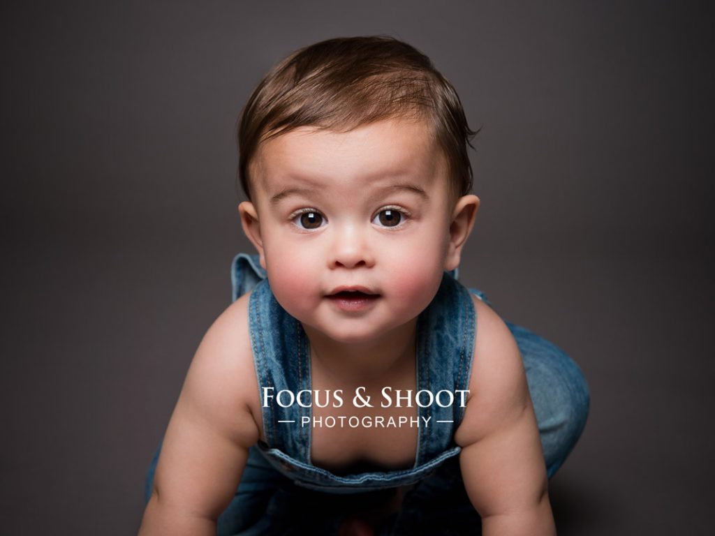Focus and shoot, baby photographer Nottingham